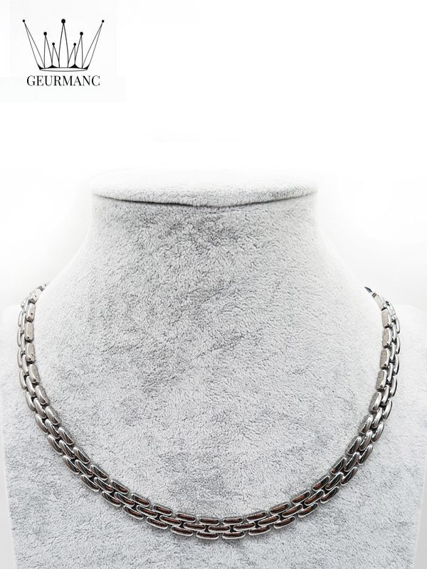 Lukas silver – necklace <gemstone: 22 germanium + 23 rocky stone> (English)